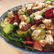 Low FODMAP Spinach Strawberry Salad