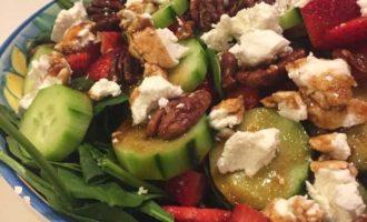 Springtime Spinach Strawberry Splendor Salad