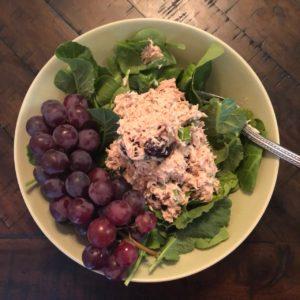 Tuna salad with grapes